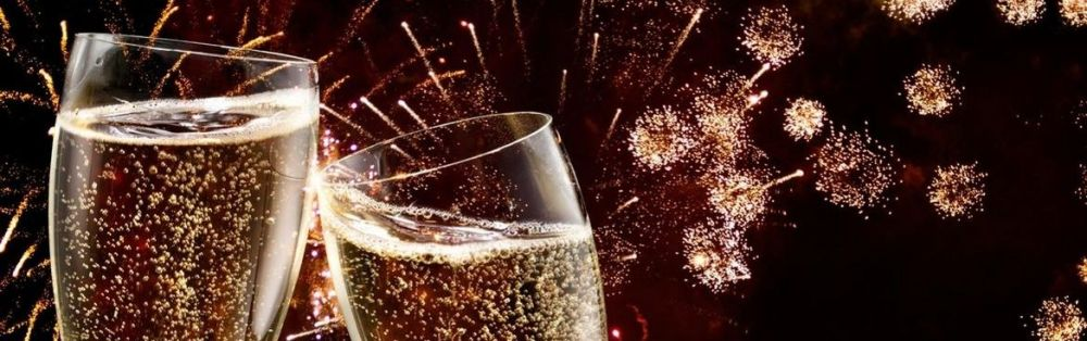 champagne-and-fireworks-new-year